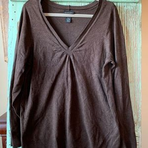 Brown lane Bryant vneck sweater.   Size 14/16.